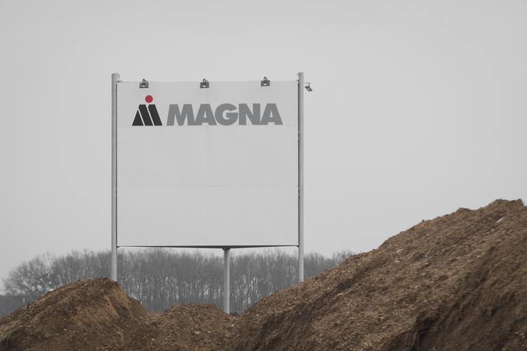 Magna: pri zagonu obrata se še naprej zatika, ogroženih 200 zaposlenih