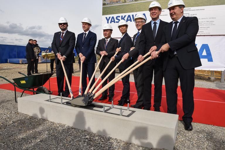 V Kočevju odprtje Yaskawine tovarne robotov
