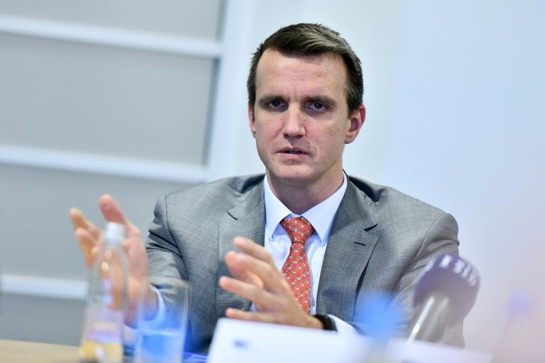 Finančne špekulacije prvega moža HSE: kam je poniknilo 14 milijonov