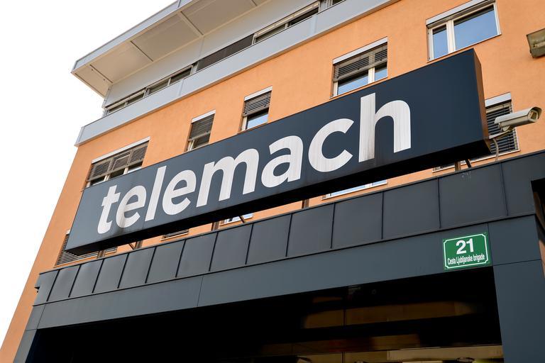 Sodišče zadržalo odvzem dela mobilnih frekvenc Telemachu
