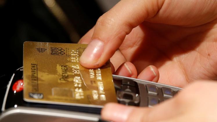 Od sedaj boste lahko brez PIN-številke plačevali zneske do 25 evrov