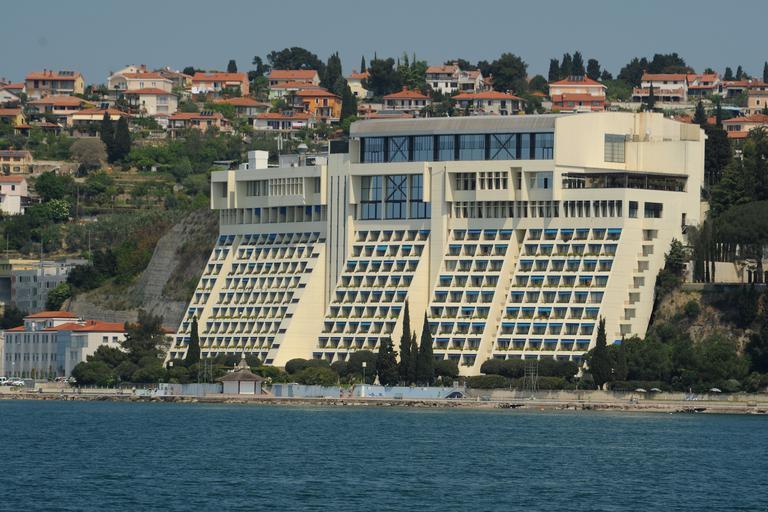 Skupščina Save Turizem potrdila pripojitev Hotelov Bernardin