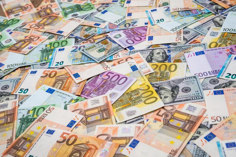 Slovenija z obveznicami do 1,1 milijarde evrov