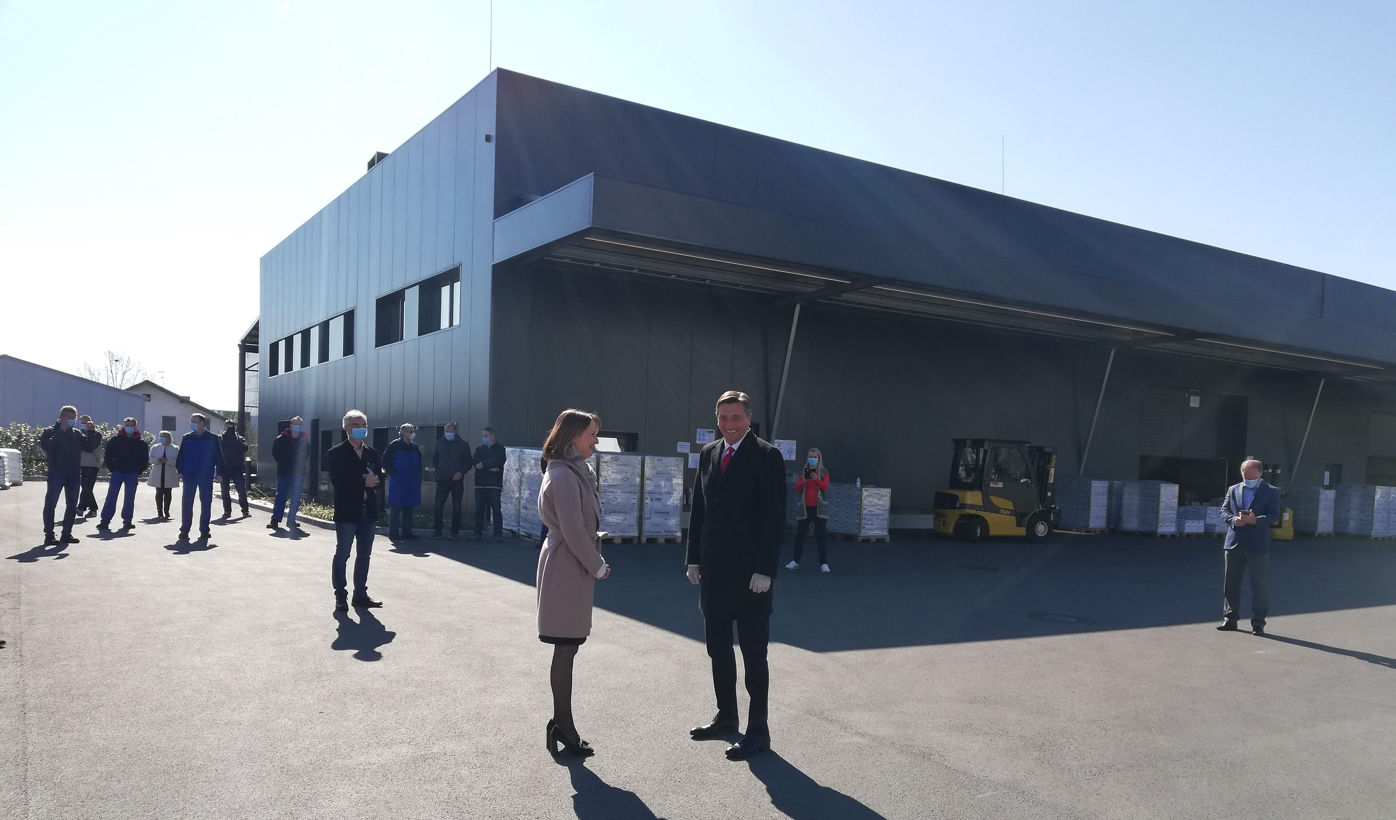 #KoronaIzkušnje: Edini slovenski proizvajalec razkužil, ki je med epidemijo oskrboval bolnišnice, domove starejših