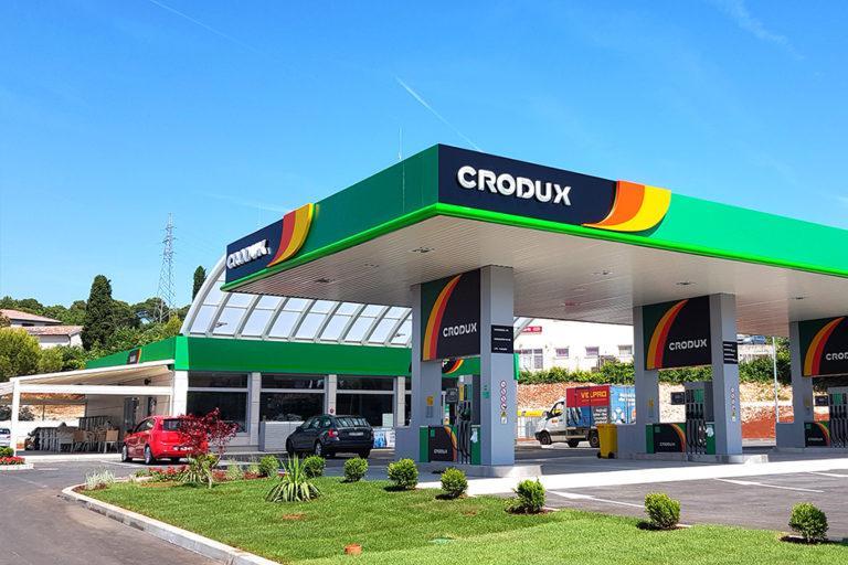 Petrol kupil hrvaškega naftnega trgovca