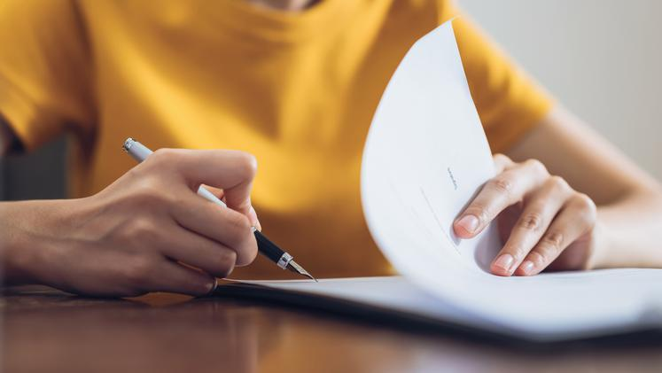 Kaj mora vsebovati pogodba o zaposlitvi?