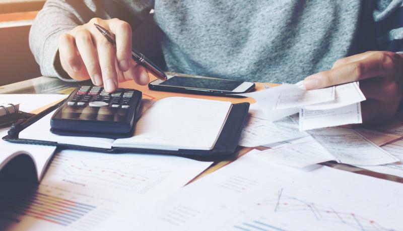 Če ste letni davčni obračun oddali po 31. 3. 2021, se vam prestavi rok za plačilo akontacij