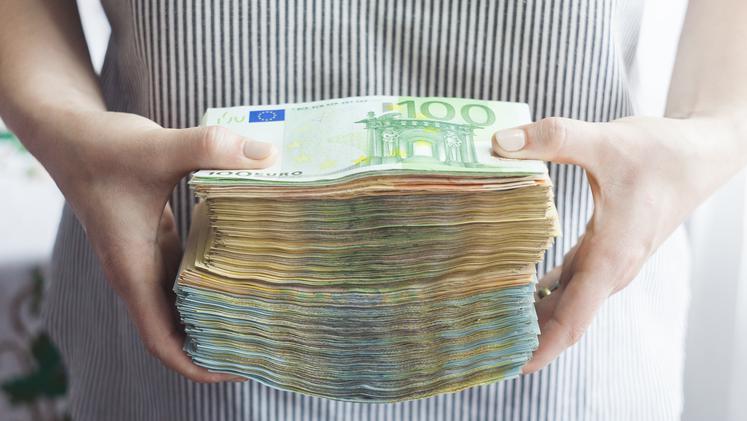 Davčne spremembe: preverite, ali bo tudi vam v žepu ostalo več evrov