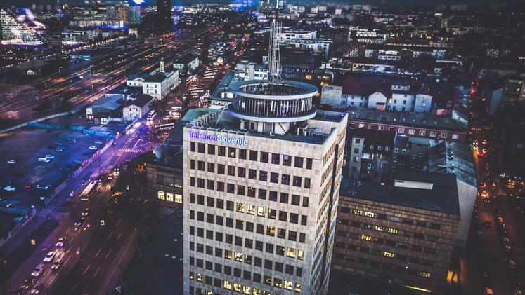 Telekom Slovenije je finančno stabilen, zato delničarjem 4,50 evra bruto dividende na delnico