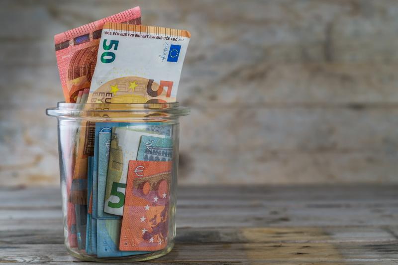 Slovenci z rekordnimi prihranki v bankah